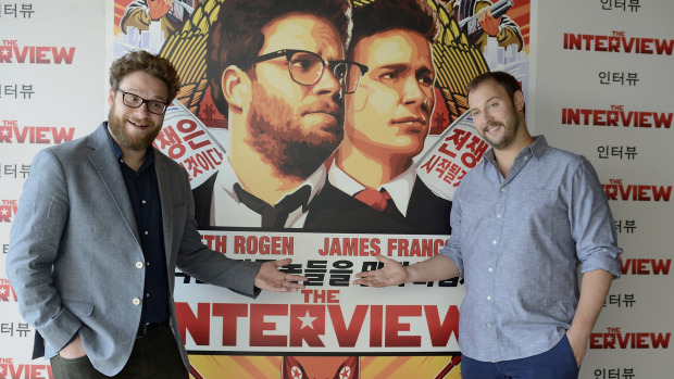 Los direc­to­res de la cinta Seth Rogen y Evan Gold­berg son canadienses.